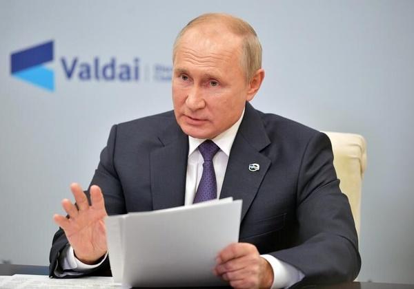 پوتین: امکان تمدید توافق کاهش تولید نفت وجود دارد