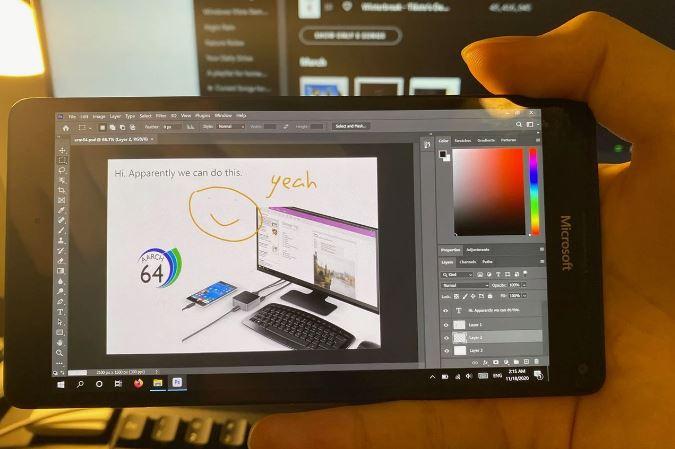 لومیا ۹۵۰ ایکس ال، نسخه کامپیوتر فتوشاپ را اجرا میکند