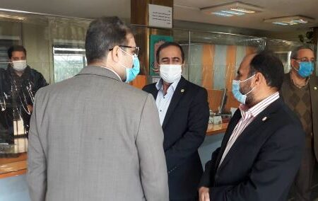بازدید سرزده مدیرعامل بیمه البرز از شعبه نمونه