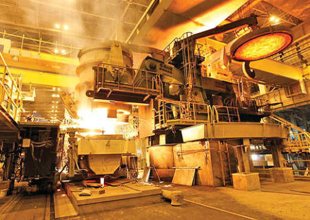 طرحهای توسعه ۱۵هزار میلیارد تومانی فولاد هرمزگان