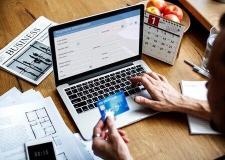 شروط تحقق بانکداری هوشمند/ بانکها باید از خدمات سنتی عبور کنند