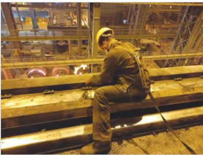 تعویض ۲۷۰ متر ریل جرثقیلهای سقفی سالن ریختهگری ومتالورژی ثانویه