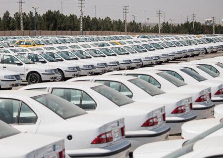 صف طویل ثبتنام خودروهای لوکس با کارت ملی اجارهای!/دردی دوا نشد