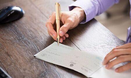 ممنوعیت صدور چک در وجه حامل از ۲۱ آذرماه امسال