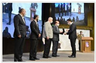 اعطای تندیس زرین جایزه مدیریت مالی به بانک تجارت