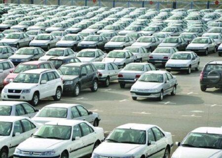 نصف خودروهای فروشرفته احتکار شدهاند