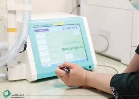 اهدای دستگاه ویژه بیماران تنفسی و کرونایی به بیمارستان کودکان مفید