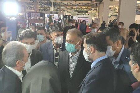 بازدید مقامات از غرفه صنایع شیر ایران