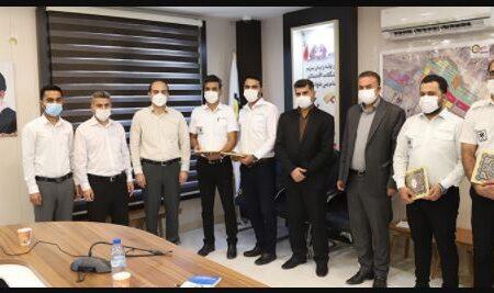 کارکنان اورژانس و فوریتهای پزشکی منطقه ویژه اقتصادی لامرد تجلیل شدند